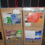 lot d'affaires scolaires range documents, carnets, stylos, cahiers, feuilles, colle, etc…………..