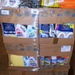 lot de produits et accessoires d'entretien ménager lessive, lingette, produits WC, microfibres, etc