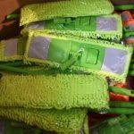 60 balais microfibres panaché de couleurs balais rétractables