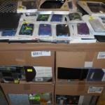 lot de 450 acccessoires téléphones, tablettes, etc……..