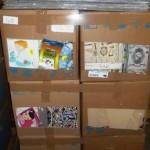 lot de loisirs creatifs stickers, support a peindre, scrapbooking, feutrines…..