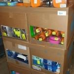 lot de produits et accessoires d'entretien ménager accessoires de salle de bain, lessive, gants, etc…………….